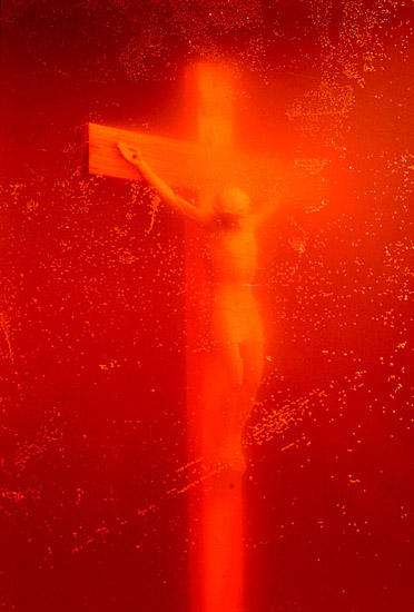 Andres Serrano; Piss Christ (Immersions),1987; Photo: Andres Serrano, Courtesy of the artist and Yvon Lambert Paris, New York