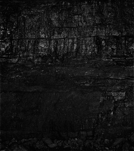 Miles Coolidge, Coal Seam, Bergwerk Prosper-Haniel 3 2013. Courtesy of the artist and ACME., Los Angeles.