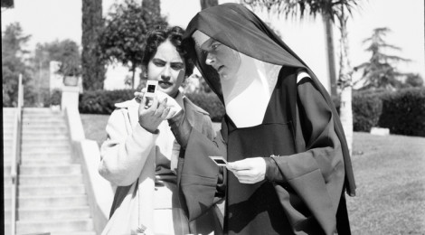 Corita with student, Immaculate Heart College, Los Angeles, c. 1955. Courtesy of the Corita Art Center, Los Angeles.