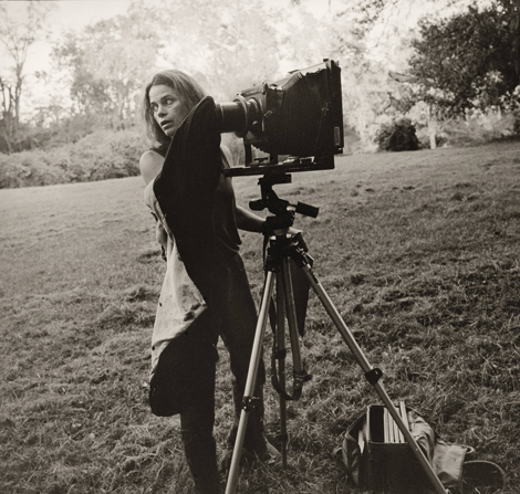 "Sally working on her ""Deep South"" series in Mississippi in the late 1990s, photo by Kim Rushing."