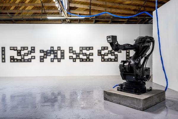 James Georgopoulos, Luddite, 2016, ©James Georgopoulos, courtesy of MAMA Gallery, Los Angeles.