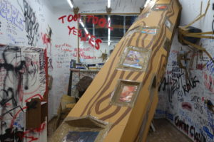 ThomasHirschhorn2 300x200 <h6 class=sub>The Mistake Room: </h6><h1 class=post title entry title>Thomas Hirschhorn</h1>