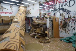 ThomasHirschhorn4 300x200 <h6 class=sub>The Mistake Room: </h6><h1 class=post title entry title>Thomas Hirschhorn</h1>