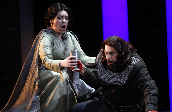 Plácido Domingo as Macbeth and Ekaterina Semenchuk as Lady Macbeth.