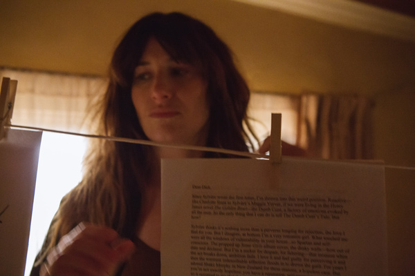 ILD Kathryn Hahn w letters Chris Kraus: She Loved Dick