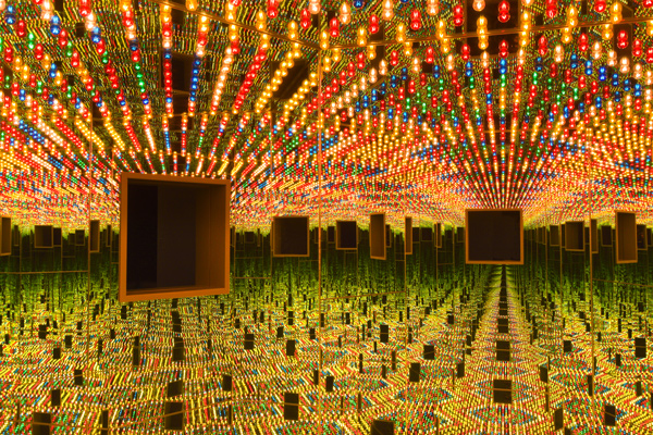 Infinity Mirrored Room—Love Forever, 1966/1994, at the Hirshhorn Museum and Sculpture Garden,wood, photo by Cathy Carver.