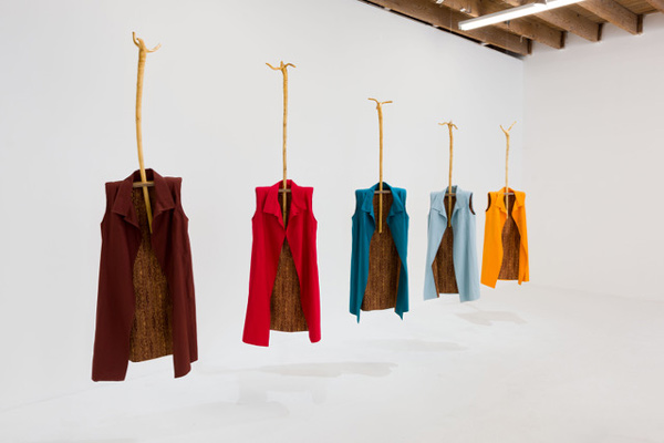 Phyllis Green, Five Sheaths (2017), courtesy of the artist and Chimento Contemporary. Photo: Ruben Diaz.