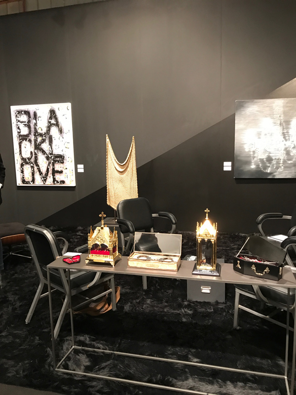 black love A Sea of Art Afloat at SoCals Art Fairs