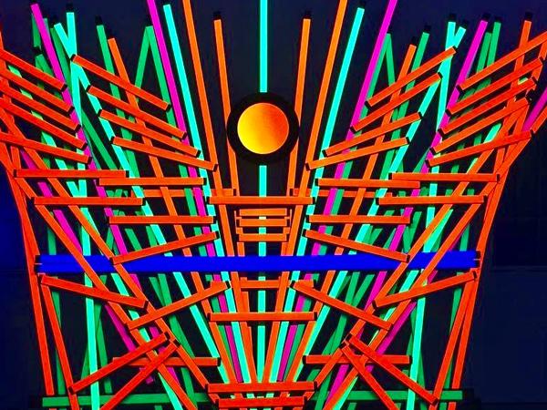 sticks A Sea of Art Afloat at SoCals Art Fairs