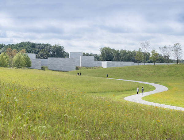 Approach to the Glenstone Pavilions. Photo by Iwan Baan.