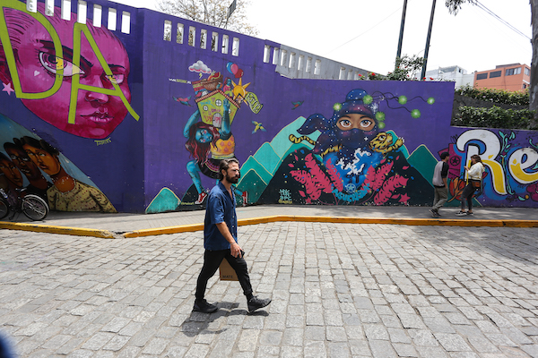 Walking Tour 018 Murals Paint the Way in Lima